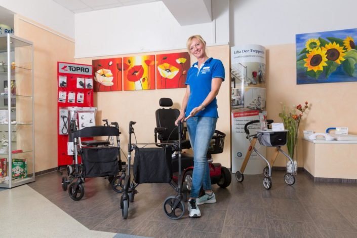 Sanitätshaus Götzen Leistungen Rehatechnik und Homecare Beratung Gehhilfen